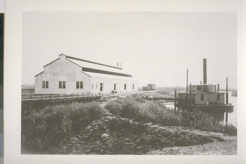 Logan Foto. [Pump station. Middle River.]