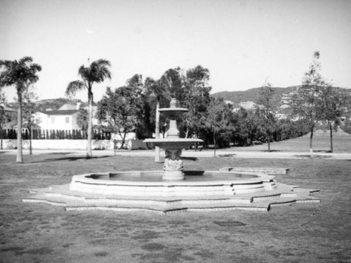 Doheny Fountain, Beverly Hills
