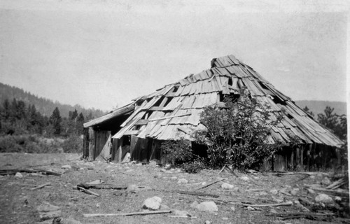 Sweathouse [round house] at Coopertown (Coppertown)--near Genessee, California
