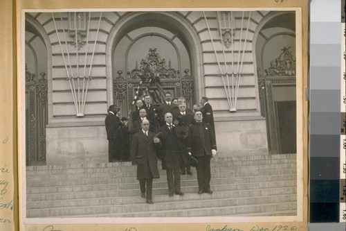 Funeral of Dorman and Jackson, Dec. 1920. Leaving the City Hall, Mayor of Santa Rosa, Mayor Rolph, Chief O'Brien, Commissioners Roche and Cook, Supervisor Deasy, Suhr, Schmitz, and McLeran