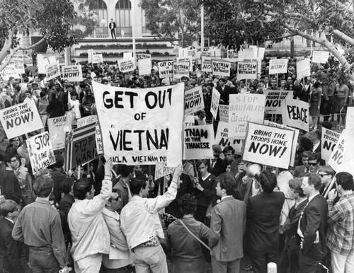 Anti-Vietnam War protest — Calisphere