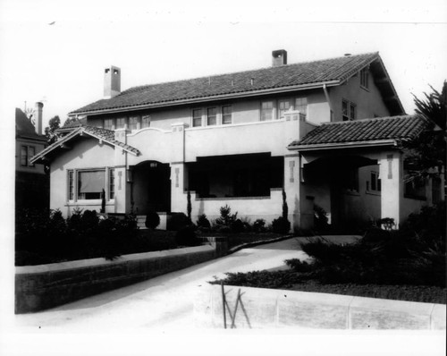 Magnus and Bertha Vonsen home located at 910 D Street, Petaluma, California, about 1923
