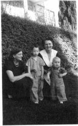 Edith Scudder Cruse with her two grandchildren, Sean and Jim