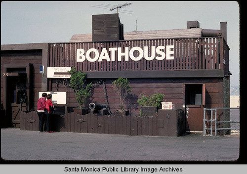 Calisphere Boathouse Restaurant On The Santa Monica Pier In October
