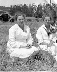 Sisters Alice and Blanche Riddell, about 1918