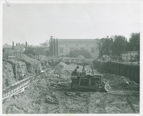 Construction of Walker Hall, Pomona College