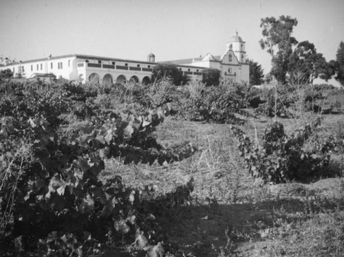 Convento and church, Mission San Luis Rey, Oceanside