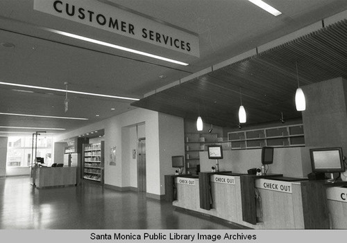 Customer Service desk on the first floor of the new Main Library (Santa Monica Public Library, 601 Santa Monica Blvd. built by Morley Construction. Architects, Moore Ruble Yudell.) December 30, 2005