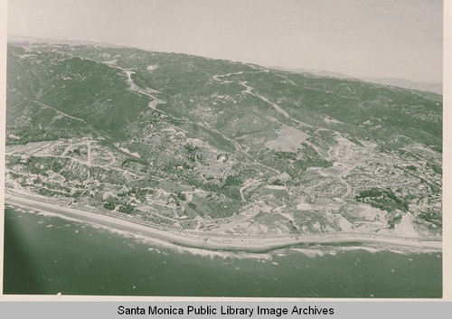 Aerial view of Pacific Palisades, Calif