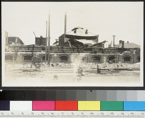 [Ruined building, unidentified location.]