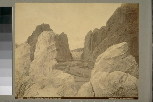 Gateway to the Garden of the Gods, Col. [Colorado]. 4925. [Photograph by Isaiah West Taber.]