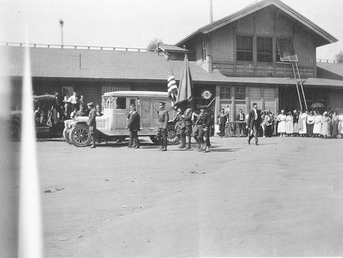 Group Departing with Body, Lindsay, Calif., 1921