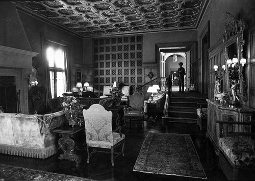 harold lloyd mansion living room - Mansion Living Room
