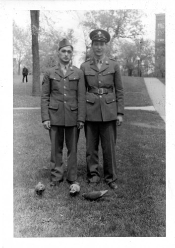 Calisphere: [Japanese American soldiers in US Army uniform]
