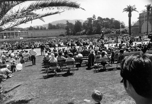 [Audience at the Golden Gate Park Centennial Parade]