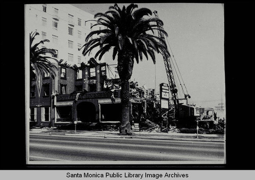Windermere Hotel, 1431 Ocean Avenue, Santa Monica, Calif., built in 1909, orginally owned and operated by Mrs. Rosamonde Borde (demolished January 5, 1962)