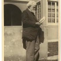Edwin Markham in front of Edith Daley's house