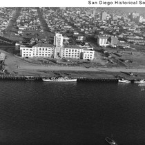Aerial view of a ship at the Embarcadero in front of the ...