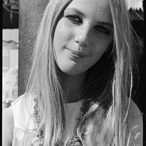 Blond woman with beads, Haight-Ashbury 1967