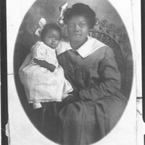 Afro-Americans - Stockton: mother and daughter