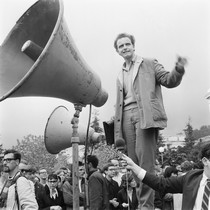 Leader Mario Savio sounding off