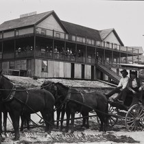 B.F. Conaway photograph of a horse-drawn omninibus in front of Laguna Hotel