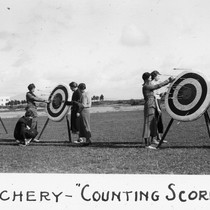 "Archery - ""counting scores"" / Lee Passmore"