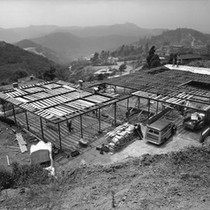 Birdseye view of the construction site of the Julius Shulman House and ...