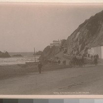 Approach to Cliff House. [San Francisco.]--6669