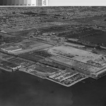 [Aerial photograph of Ford Assembly Plant and Kaiser Shipyard Number Two]