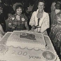 Cutting the bicentennial cake