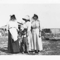 Japanese American farm women