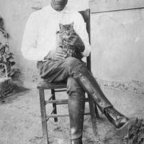 Ladislado Ortiz with Cat