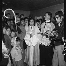 Las Posadas procession on Olvera Street, Los Angeles (Calif.)