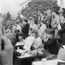 Students signing pledge