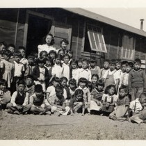 3rd and 4th grade classes and teaching assistants at Tule Lake Relocation ...