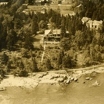 [aerial photo of Reef Point house]