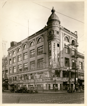 Darling building, southeast corner of 13th and Washington Streets in downtown Oakland, ...