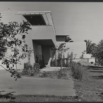 Thomas Mann House: side view- exterior of house