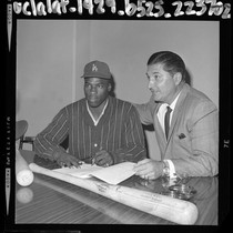17 years old Willie Crawford, signing his baseball contract with Los Angeles ...