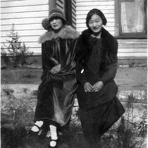 2 women in warm clothes