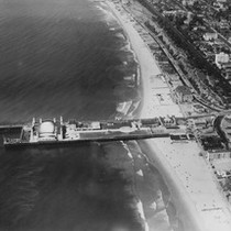 Aerial view of Santa Monica Pier, 1933