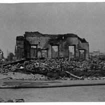 Burned shell of a downtown Santa Rosa building after the 1906 earthquake