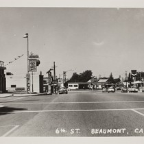 6th Street Beaumont, with a Firestone store and 76 and Shell gas ...