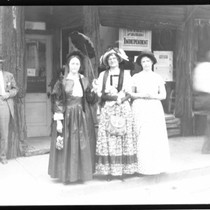 Admission Day - Stockton: Man and women dressed in pioneer clothing featured ...