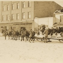 [Sleigh at Truckee Winter Carnival]
