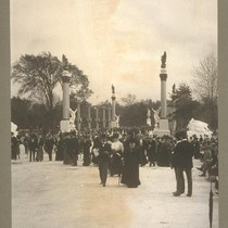 The Approach from the Park. 458. [Pan-American Exposition, Buffalo, New York. Copyright ...