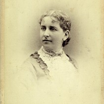 Cabinet card portrait of Ella Pinkham
