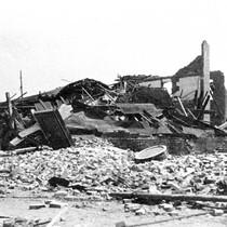 Destroyed building, 1906 earthquake, Santa Rosa, California