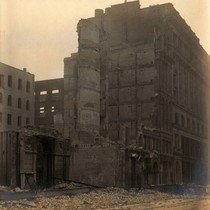 Buildings in ruins, San Francisco Earthquake and Fire, 1906 [photograph]